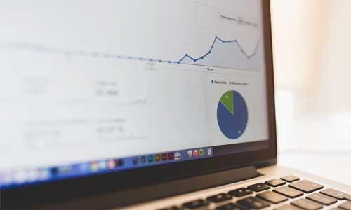 Vigtige-facts-om-moderne-e-commerce-Salgstallene-stiger-og-stiger