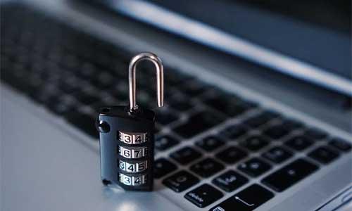 2-store-udfordringer-ved-internettet-Sikkerheds-og-privatlivsproblemer-med-IoT-(Internet-of-Things)